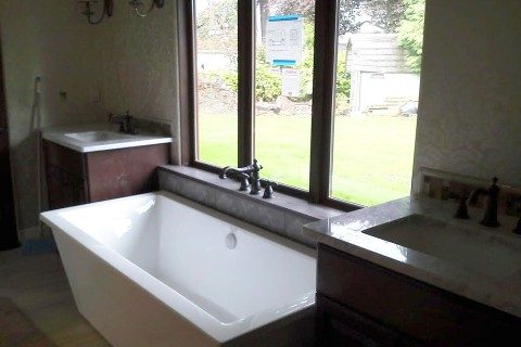 Bathroom Sinks/Tub